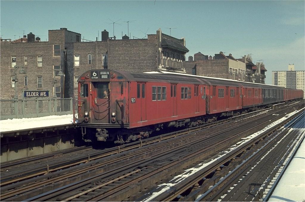 (240k, 1024x681)<br><b>Country:</b> United States<br><b>City:</b> New York<br><b>System:</b> New York City Transit<br><b>Line:</b> IRT Pelham Line<br><b>Location:</b> Elder Avenue <br><b>Route:</b> 6<br><b>Car:</b> R-33 Main Line (St. Louis, 1962-63) 9117 <br><b>Photo by:</b> Joe Testagrose<br><b>Date:</b> 3/30/1970<br><b>Viewed (this week/total):</b> 6 / 2358