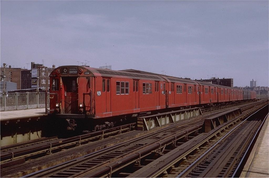 (190k, 1024x678)<br><b>Country:</b> United States<br><b>City:</b> New York<br><b>System:</b> New York City Transit<br><b>Line:</b> IRT Pelham Line<br><b>Location:</b> Whitlock Avenue <br><b>Route:</b> 6<br><b>Car:</b> R-33 Main Line (St. Louis, 1962-63) 9139 <br><b>Photo by:</b> Joe Testagrose<br><b>Date:</b> 5/6/1972<br><b>Viewed (this week/total):</b> 2 / 2271