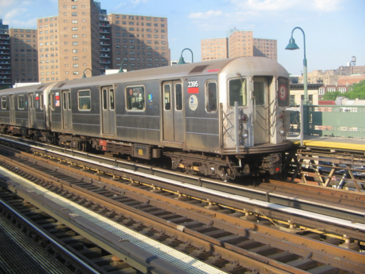 (235k, 744x558)<br><b>Country:</b> United States<br><b>City:</b> New York<br><b>System:</b> New York City Transit<br><b>Line:</b> IRT West Side Line<br><b>Location:</b> 125th Street <br><b>Route:</b> 9<br><b>Car:</b> R-62A (Bombardier, 1984-1987)  2395 <br><b>Photo by:</b> Jose Martinez<br><b>Date:</b> 5/27/2005<br><b>Notes:</b> Last day of the skip-stop #9 service.<br><b>Viewed (this week/total):</b> 0 / 3981