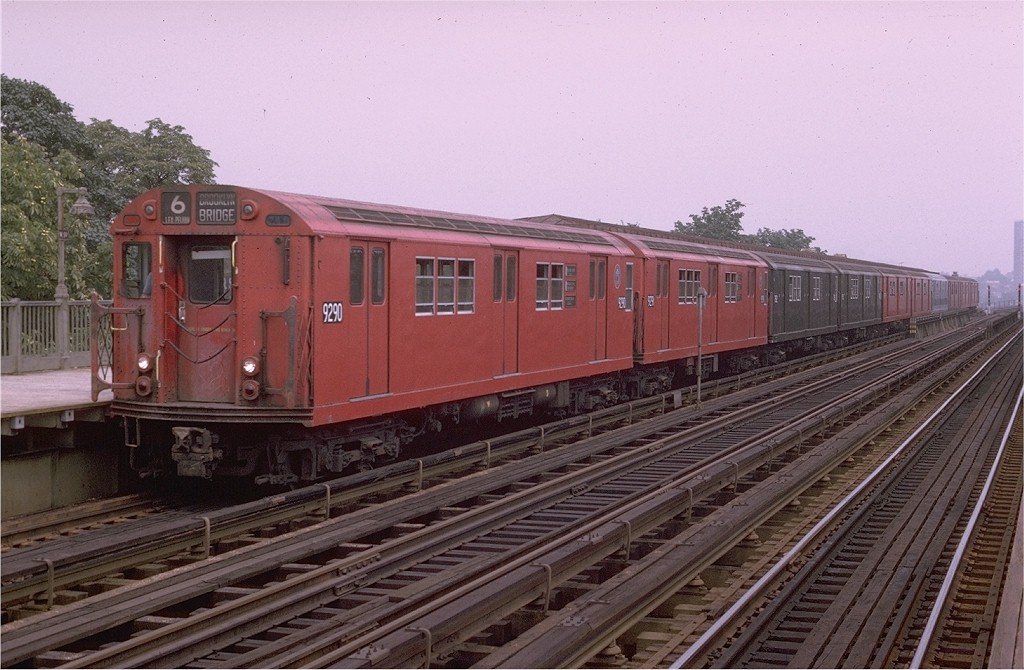 (194k, 1024x670)<br><b>Country:</b> United States<br><b>City:</b> New York<br><b>System:</b> New York City Transit<br><b>Line:</b> IRT Pelham Line<br><b>Location:</b> Westchester Square <br><b>Route:</b> 6<br><b>Car:</b> R-33 Main Line (St. Louis, 1962-63) 9290 <br><b>Photo by:</b> Joe Testagrose<br><b>Date:</b> 8/1/1970<br><b>Viewed (this week/total):</b> 4 / 3158