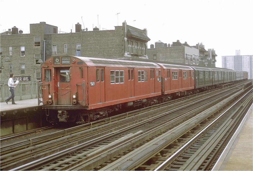 (242k, 1024x693)<br><b>Country:</b> United States<br><b>City:</b> New York<br><b>System:</b> New York City Transit<br><b>Line:</b> IRT Pelham Line<br><b>Location:</b> Elder Avenue <br><b>Route:</b> 6<br><b>Car:</b> R-33 Main Line (St. Louis, 1962-63) 9149 <br><b>Photo by:</b> Joe Testagrose<br><b>Date:</b> 4/4/1970<br><b>Viewed (this week/total):</b> 0 / 2053