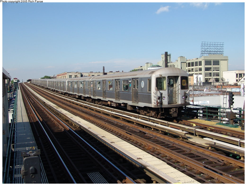 (212k, 1044x788)<br><b>Country:</b> United States<br><b>City:</b> New York<br><b>System:</b> New York City Transit<br><b>Line:</b> BMT Astoria Line<br><b>Location:</b> 39th/Beebe Aves. <br><b>Route:</b> W<br><b>Car:</b> R-40M (St. Louis, 1969)  4467 <br><b>Photo by:</b> Richard Panse<br><b>Date:</b> 5/30/2005<br><b>Viewed (this week/total):</b> 1 / 3680