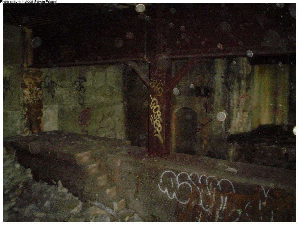 (125k, 1044x788)<br><b>Country:</b> United States<br><b>City:</b> New York<br><b>System:</b> New York City Transit<br><b>Line:</b> 9th Avenue El<br><b>Location:</b> Sedgwick Avenue <br><b>Photo by:</b> Steven Priesel<br><b>Date:</b> 8/8/2004<br><b>Notes:</b> View from the 155th St.-bound platform at the Anderson-bound platform.<br><b>Viewed (this week/total):</b> 2 / 8816