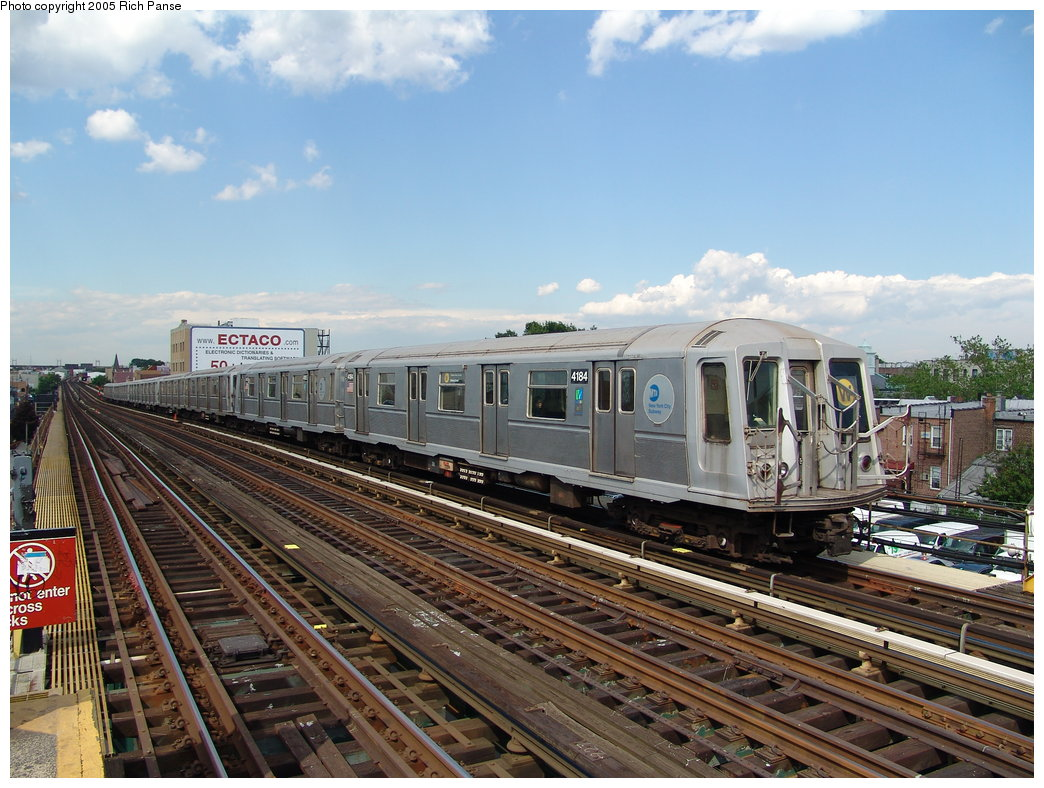 (212k, 1044x788)<br><b>Country:</b> United States<br><b>City:</b> New York<br><b>System:</b> New York City Transit<br><b>Line:</b> BMT Astoria Line<br><b>Location:</b> Broadway <br><b>Route:</b> W<br><b>Car:</b> R-40 (St. Louis, 1968)  4184 <br><b>Photo by:</b> Richard Panse<br><b>Date:</b> 5/30/2005<br><b>Viewed (this week/total):</b> 0 / 3552