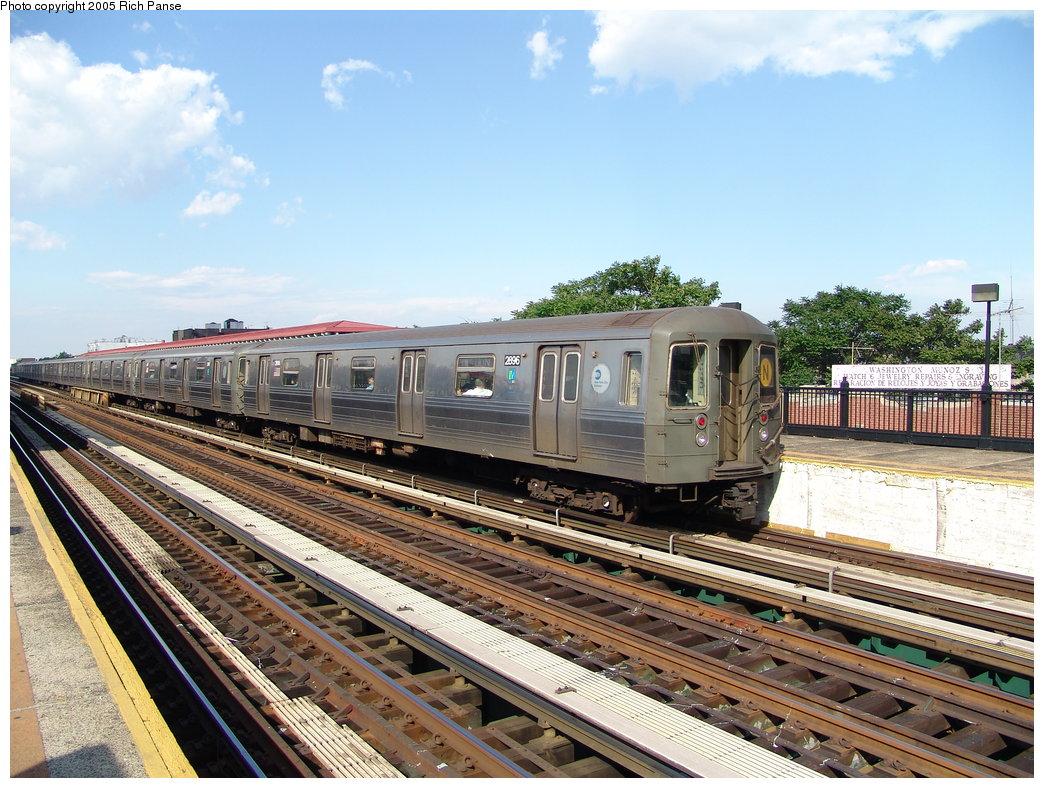 (232k, 1044x788)<br><b>Country:</b> United States<br><b>City:</b> New York<br><b>System:</b> New York City Transit<br><b>Line:</b> BMT Astoria Line<br><b>Location:</b> 36th/Washington Aves. <br><b>Route:</b> N<br><b>Car:</b> R-68 (Westinghouse-Amrail, 1986-1988)  2896 <br><b>Photo by:</b> Richard Panse<br><b>Date:</b> 5/30/2005<br><b>Viewed (this week/total):</b> 2 / 3374
