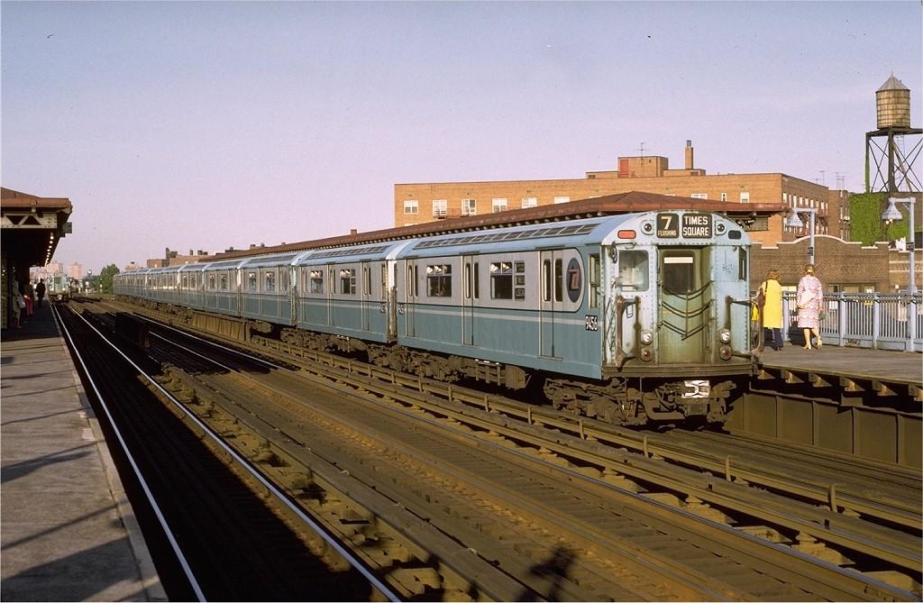 (203k, 1024x669)<br><b>Country:</b> United States<br><b>City:</b> New York<br><b>System:</b> New York City Transit<br><b>Line:</b> IRT Flushing Line<br><b>Location:</b> 82nd Street/Jackson Heights <br><b>Route:</b> 7<br><b>Car:</b> R-36 World's Fair (St. Louis, 1963-64) 9456 <br><b>Photo by:</b> Joe Testagrose<br><b>Date:</b> 5/26/1972<br><b>Viewed (this week/total):</b> 4 / 2886