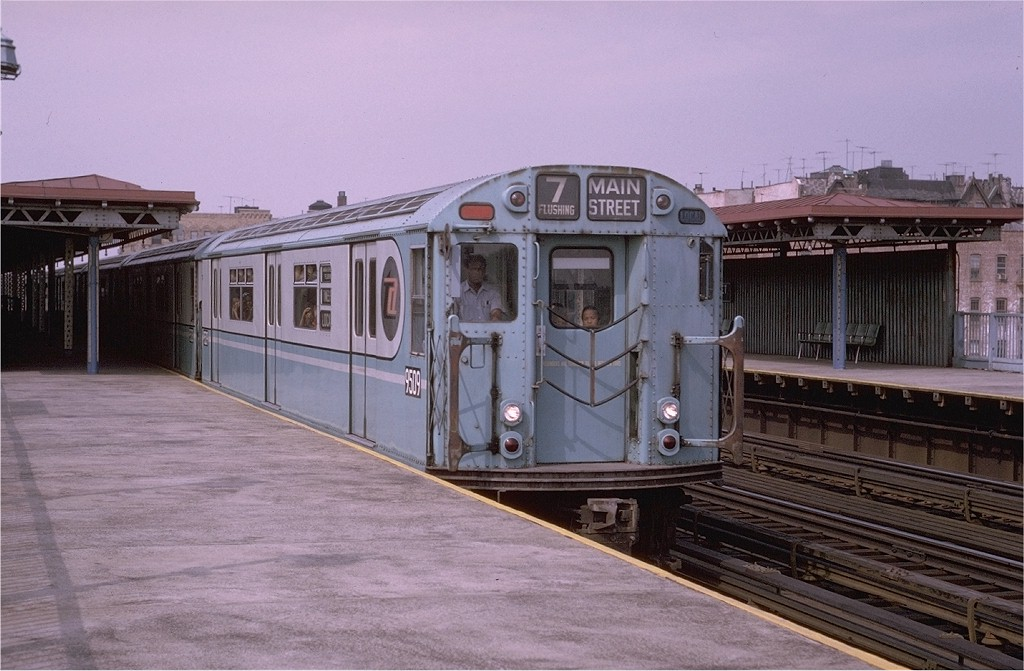 (184k, 1024x671)<br><b>Country:</b> United States<br><b>City:</b> New York<br><b>System:</b> New York City Transit<br><b>Line:</b> IRT Flushing Line<br><b>Location:</b> 90th Street/Elmhurst Avenue <br><b>Route:</b> 7<br><b>Car:</b> R-36 World's Fair (St. Louis, 1963-64) 9509 <br><b>Photo by:</b> Joe Testagrose<br><b>Date:</b> 9/5/1970<br><b>Viewed (this week/total):</b> 1 / 3629