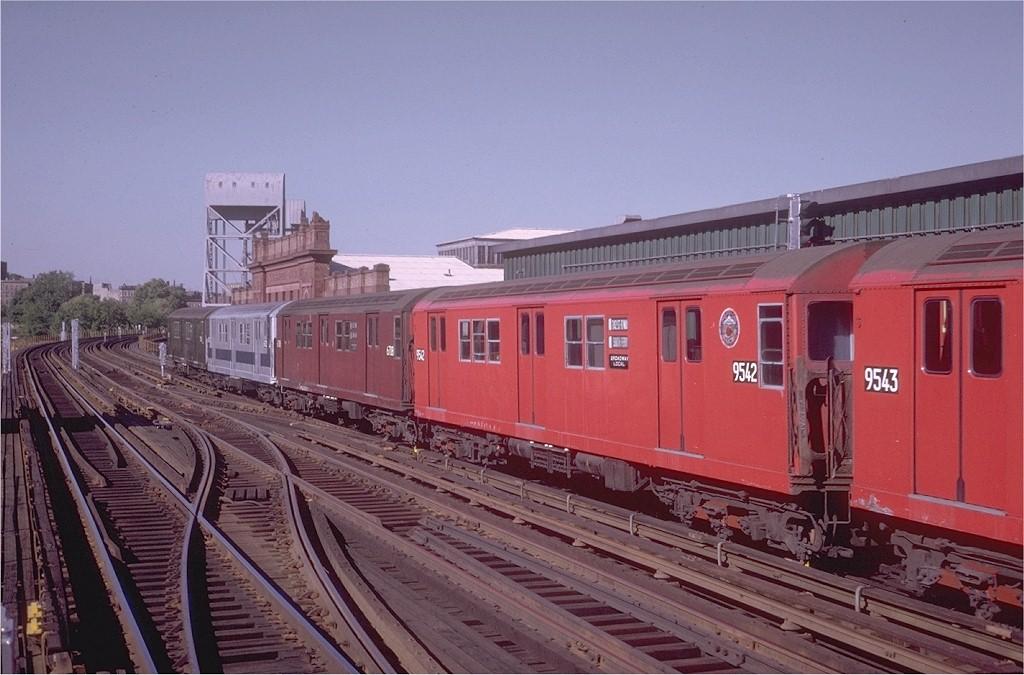 (186k, 1024x675)<br><b>Country:</b> United States<br><b>City:</b> New York<br><b>System:</b> New York City Transit<br><b>Line:</b> IRT West Side Line<br><b>Location:</b> 215th Street <br><b>Route:</b> 1<br><b>Car:</b> R-36 Main Line (St. Louis, 1964) 9542 <br><b>Photo by:</b> Steve Zabel<br><b>Collection of:</b> Joe Testagrose<br><b>Date:</b> 5/30/1970<br><b>Viewed (this week/total):</b> 0 / 2972