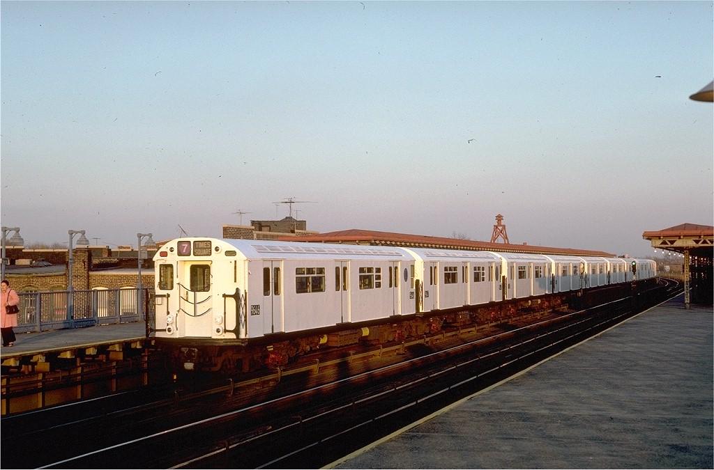 (189k, 1024x675)<br><b>Country:</b> United States<br><b>City:</b> New York<br><b>System:</b> New York City Transit<br><b>Line:</b> IRT Flushing Line<br><b>Location:</b> 103rd Street/Corona Plaza <br><b>Route:</b> 7<br><b>Car:</b> R-36 World's Fair (St. Louis, 1963-64) 9646 <br><b>Photo by:</b> Steve Zabel<br><b>Collection of:</b> Joe Testagrose<br><b>Date:</b> 11/11/1981<br><b>Viewed (this week/total):</b> 2 / 3857