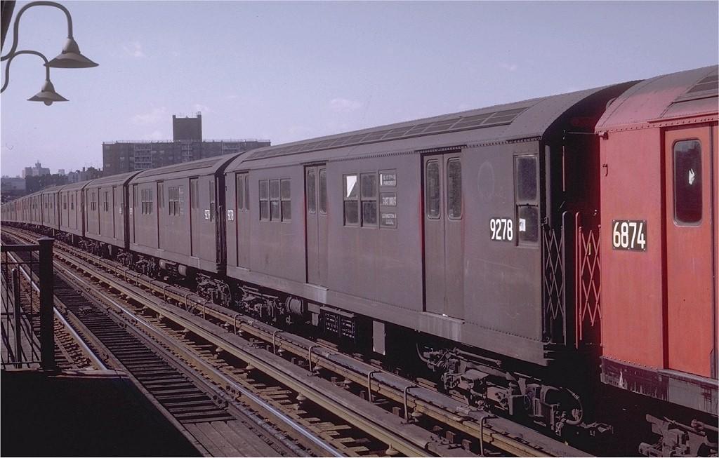 (182k, 1024x653)<br><b>Country:</b> United States<br><b>City:</b> New York<br><b>System:</b> New York City Transit<br><b>Line:</b> IRT Pelham Line<br><b>Location:</b> St. Lawrence Avenue <br><b>Route:</b> 6<br><b>Car:</b> R-33 Main Line (St. Louis, 1962-63) 9278 <br><b>Photo by:</b> Joe Testagrose<br><b>Date:</b> 10/18/1969<br><b>Viewed (this week/total):</b> 2 / 2778
