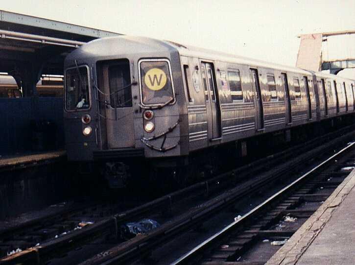 (42k, 725x541)<br><b>Country:</b> United States<br><b>City:</b> New York<br><b>System:</b> New York City Transit<br><b>Location:</b> Coney Island/Stillwell Avenue<br><b>Route:</b> W<br><b>Car:</b> R-68A (Kawasaki, 1988-1989)  5162 <br><b>Photo by:</b> Gary Chatterton<br><b>Date:</b> 3/25/2003<br><b>Viewed (this week/total):</b> 1 / 3074