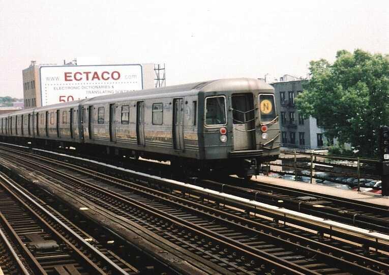 (62k, 765x541)<br><b>Country:</b> United States<br><b>City:</b> New York<br><b>System:</b> New York City Transit<br><b>Line:</b> BMT Astoria Line<br><b>Location:</b> Broadway <br><b>Route:</b> N<br><b>Car:</b> R-68 (Westinghouse-Amrail, 1986-1988)  2796 <br><b>Photo by:</b> Gary Chatterton<br><b>Date:</b> 5/19/2004<br><b>Viewed (this week/total):</b> 3 / 3030