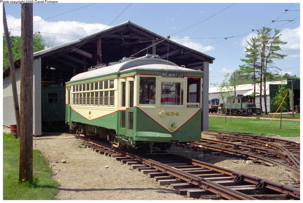 (253k, 1044x699)<br><b>Country:</b> United States<br><b>City:</b> Kennebunk, ME<br><b>System:</b> Seashore Trolley Museum <br><b>Car:</b> Dallas Railway & Terminal 434 <br><b>Photo by:</b> David Pirmann<br><b>Date:</b> 5/25/1996<br><b>Viewed (this week/total):</b> 2 / 1333