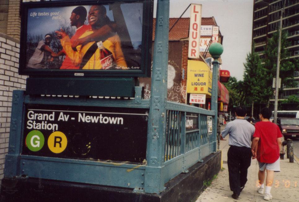 (136k, 965x653)<br><b>Country:</b> United States<br><b>City:</b> New York<br><b>System:</b> New York City Transit<br><b>Line:</b> IND Queens Boulevard Line<br><b>Location:</b> Grand Avenue/Newtown <br><b>Photo by:</b> Kevin Wong<br><b>Date:</b> 6/23/2001<br><b>Viewed (this week/total):</b> 2 / 6169