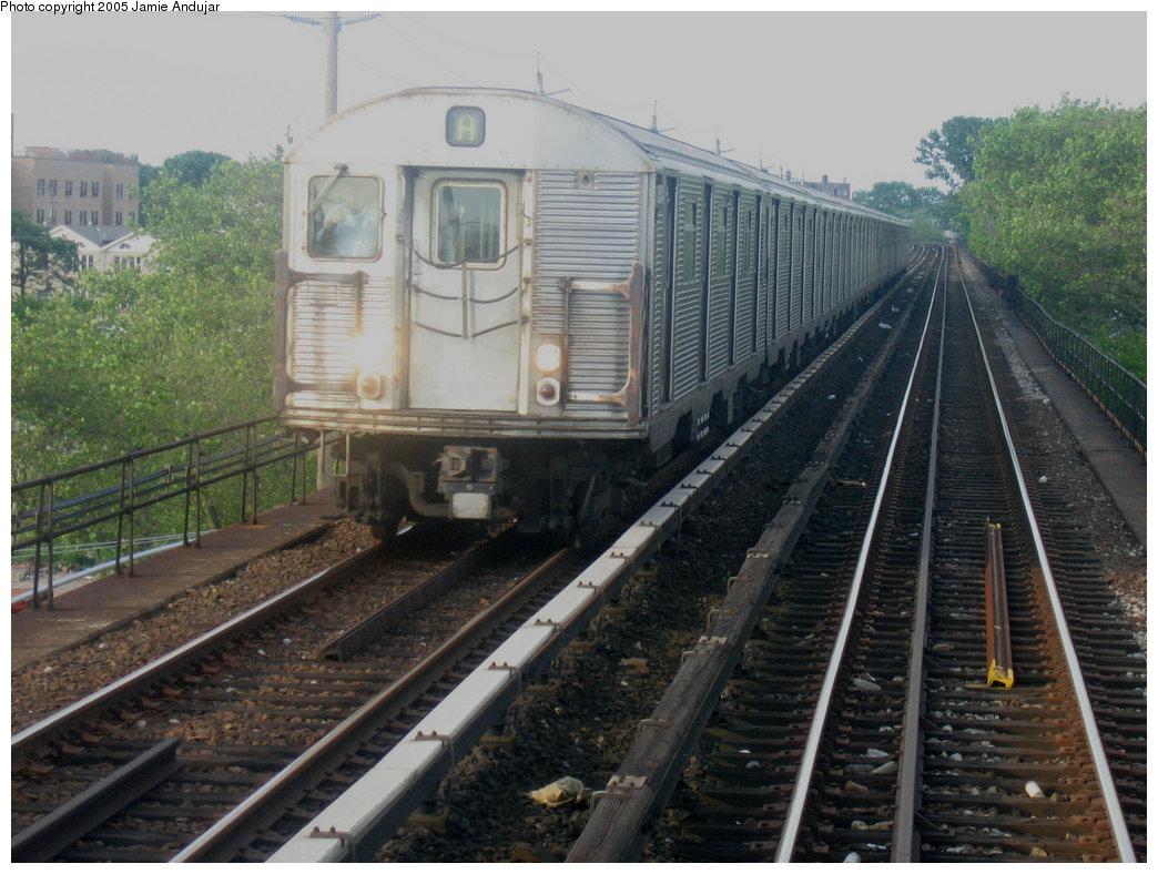 (211k, 1044x788)<br><b>Country:</b> United States<br><b>City:</b> New York<br><b>System:</b> New York City Transit<br><b>Line:</b> IND Rockaway<br><b>Location:</b> Beach 25th Street/Wavecrest <br><b>Route:</b> A<br><b>Car:</b> R-32 (Budd, 1964)   <br><b>Photo by:</b> Professor J<br><b>Date:</b> 6/17/2005<br><b>Viewed (this week/total):</b> 0 / 4228