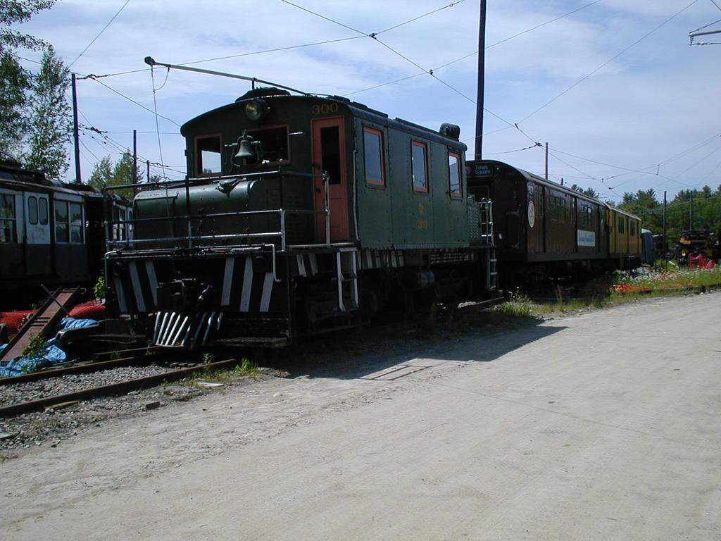 (118k, 1024x768)<br><b>Country:</b> United States<br><b>City:</b> Kennebunk, ME<br><b>System:</b> Seashore Trolley Museum <br><b>Car:</b> Oshawa Railway (Baldwin/Westinghouse) 300 <br><b>Photo by:</b> Todd Glickman<br><b>Date:</b> 6/24/2005<br><b>Viewed (this week/total):</b> 0 / 1259