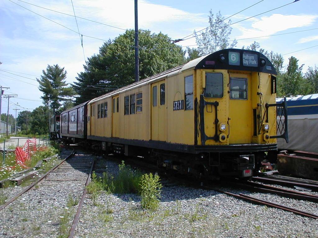 (178k, 1024x768)<br><b>Country:</b> United States<br><b>City:</b> Kennebunk, ME<br><b>System:</b> Seashore Trolley Museum<br><b>Car:</b> R-22 (St. Louis, 1957-58) 37371 <br><b>Photo by:</b> Todd Glickman<br><b>Date:</b> 6/24/2005<br><b>Viewed (this week/total):</b> 6 / 5458