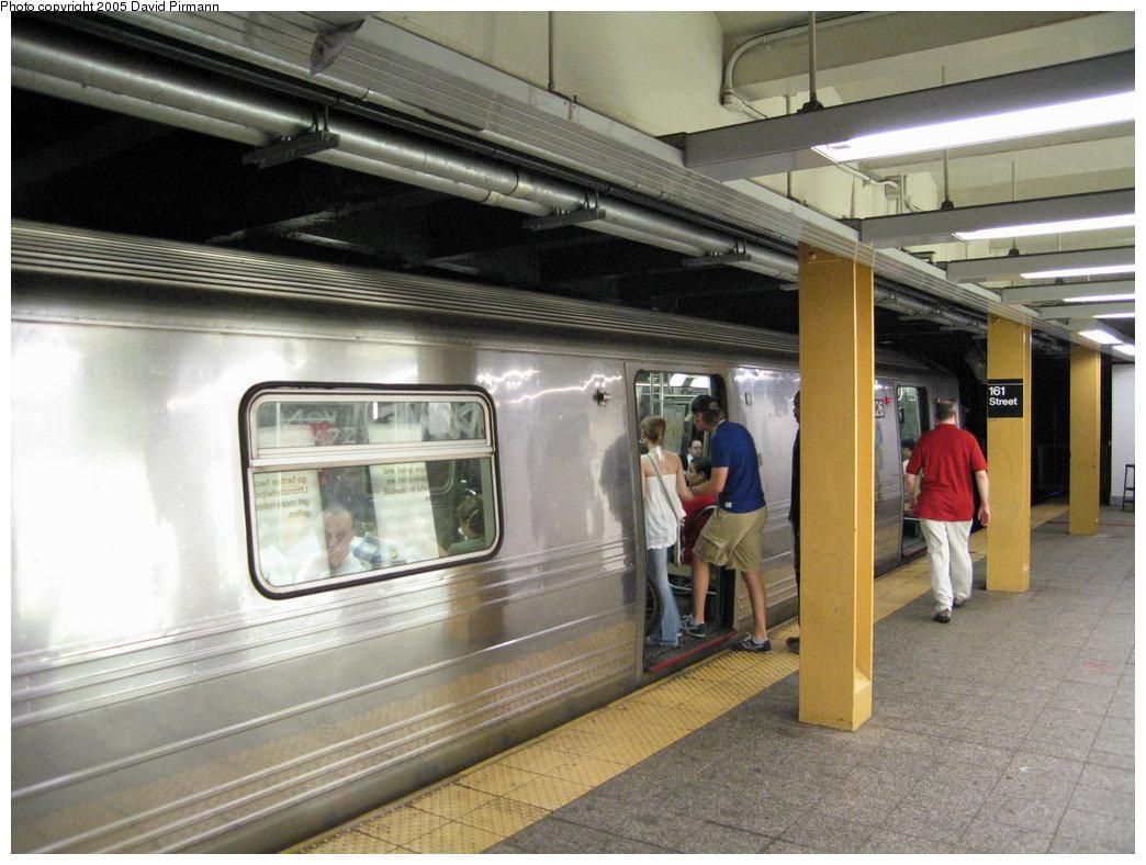 (185k, 1044x788)<br><b>Country:</b> United States<br><b>City:</b> New York<br><b>System:</b> New York City Transit<br><b>Line:</b> IND Concourse Line<br><b>Location:</b> 161st Street/River Avenue (Yankee Stadium) <br><b>Route:</b> D<br><b>Car:</b> R-68 (Westinghouse-Amrail, 1986-1988)  2826 <br><b>Photo by:</b> David Pirmann<br><b>Date:</b> 6/22/2005<br><b>Viewed (this week/total):</b> 1 / 7609