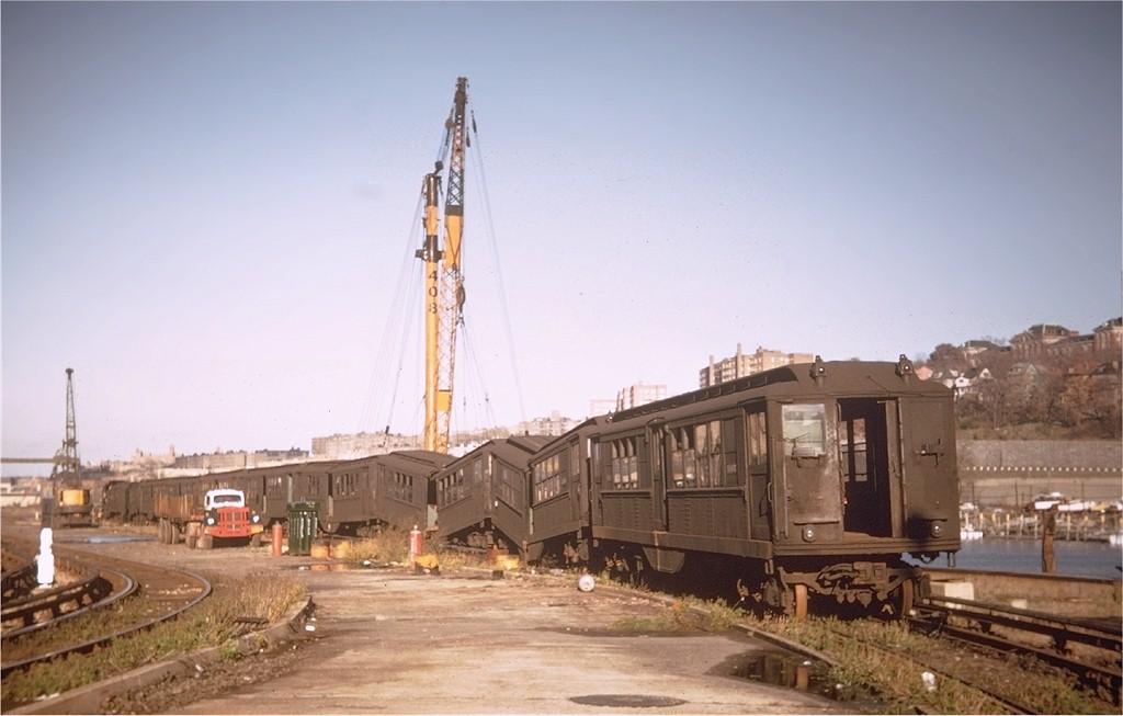 (135k, 1024x653)<br><b>Country:</b> United States<br><b>City:</b> New York<br><b>System:</b> New York City Transit<br><b>Location:</b> 207th Street Yard<br><b>Car:</b> Low-V  <br><b>Photo by:</b> Willie Rosenberg<br><b>Collection of:</b> Joe Testagrose<br><b>Date:</b> 11/1962<br><b>Viewed (this week/total):</b> 0 / 2730