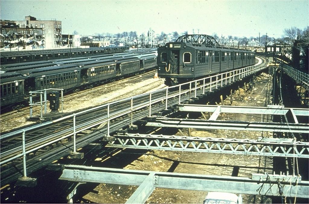 (305k, 1024x678)<br><b>Country:</b> United States<br><b>City:</b> New York<br><b>System:</b> New York City Transit<br><b>Line:</b> BMT Myrtle Avenue Line<br><b>Location:</b> Fresh Pond Road <br><b>Car:</b> BMT Multi  <br><b>Collection of:</b> Joe Testagrose<br><b>Viewed (this week/total):</b> 0 / 3807