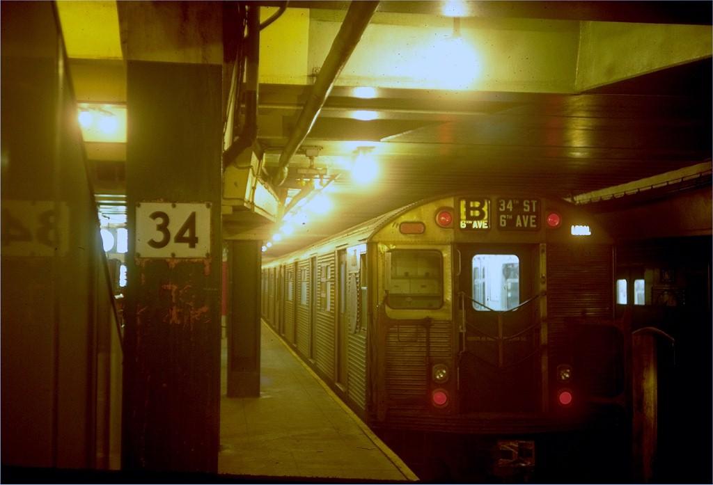 (134k, 1024x697)<br><b>Country:</b> United States<br><b>City:</b> New York<br><b>System:</b> New York City Transit<br><b>Line:</b> IND 6th Avenue Line<br><b>Location:</b> 34th Street/Herald Square <br><b>Car:</b> R-32 (Budd, 1964)   <br><b>Photo by:</b> Doug Grotjahn<br><b>Collection of:</b> Joe Testagrose<br><b>Date:</b> 10/13/1968<br><b>Viewed (this week/total):</b> 4 / 4718