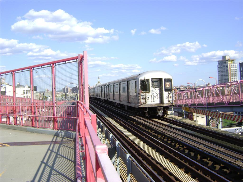 (138k, 1024x768)<br><b>Country:</b> United States<br><b>City:</b> New York<br><b>System:</b> New York City Transit<br><b>Line:</b> BMT Nassau Street/Jamaica Line<br><b>Location:</b> Williamsburg Bridge<br><b>Route:</b> Z<br><b>Car:</b> R-42 (St. Louis, 1969-1970)   <br><b>Photo by:</b> Emmanuel Robinson<br><b>Date:</b> 8/7/2009<br><b>Viewed (this week/total):</b> 0 / 941