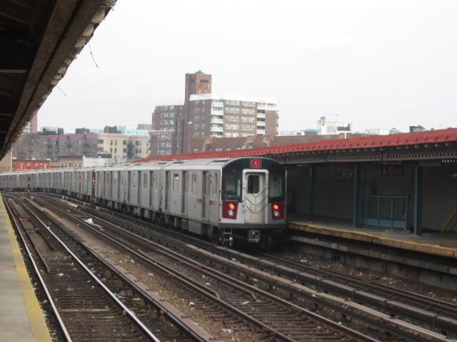 (95k, 640x480)<br><b>Country:</b> United States<br><b>City:</b> New York<br><b>System:</b> New York City Transit<br><b>Line:</b> IRT Woodlawn Line<br><b>Location:</b> Bedford Park Boulevard <br><b>Route:</b> 4<br><b>Car:</b> R-142A (Option Order, Kawasaki, 2002-2003)  7670 <br><b>Photo by:</b> Oren H.<br><b>Date:</b> 11/29/2002<br><b>Viewed (this week/total):</b> 2 / 2887