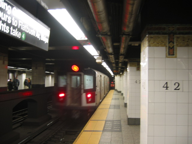 (75k, 640x480)<br><b>Country:</b> United States<br><b>City:</b> New York<br><b>System:</b> New York City Transit<br><b>Line:</b> IRT East Side Line<br><b>Location:</b> Grand Central <br><b>Route:</b> 6<br><b>Car:</b> R-142A (Option Order, Kawasaki, 2002-2003)  7661 <br><b>Photo by:</b> Oren H.<br><b>Date:</b> 11/30/2002<br><b>Viewed (this week/total):</b> 1 / 4512