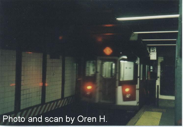 (40k, 745x520)<br><b>Country:</b> United States<br><b>City:</b> New York<br><b>System:</b> New York City Transit<br><b>Line:</b> IRT East Side Line<br><b>Location:</b> 125th Street <br><b>Route:</b> 6<br><b>Car:</b> R-142A (Primary Order, Kawasaki, 1999-2002)  7240 <br><b>Photo by:</b> Oren H.<br><b>Date:</b> 5/8/2001<br><b>Viewed (this week/total):</b> 1 / 4906