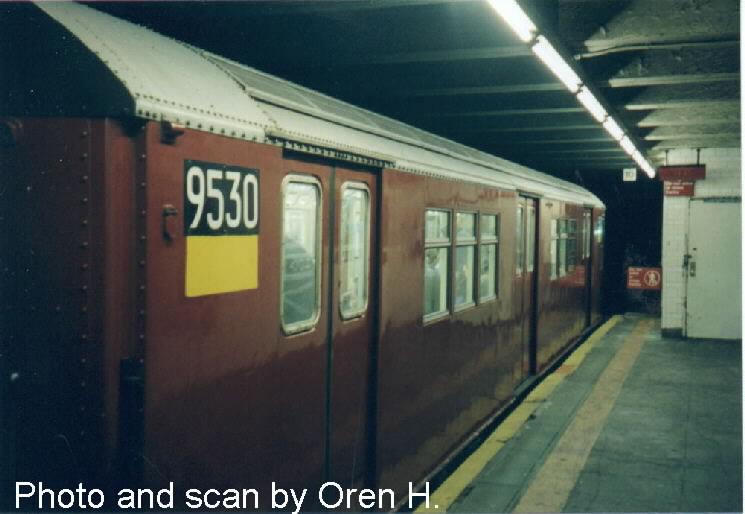 (52k, 745x514)<br><b>Country:</b> United States<br><b>City:</b> New York<br><b>System:</b> New York City Transit<br><b>Line:</b> IRT East Side Line<br><b>Location:</b> 77th Street <br><b>Route:</b> 6<br><b>Car:</b> R-36 Main Line (St. Louis, 1964) 9530 <br><b>Photo by:</b> Oren H.<br><b>Date:</b> 5/8/2001<br><b>Viewed (this week/total):</b> 3 / 4874