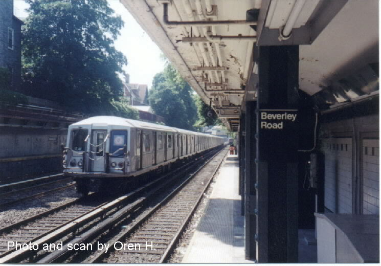 (68k, 745x520)<br><b>Country:</b> United States<br><b>City:</b> New York<br><b>System:</b> New York City Transit<br><b>Line:</b> BMT Brighton Line<br><b>Location:</b> Beverley Road <br><b>Route:</b> Q<br><b>Car:</b> R-40 (St. Louis, 1968)   <br><b>Photo by:</b> Oren H.<br><b>Date:</b> 6/20/2001<br><b>Viewed (this week/total):</b> 0 / 3914
