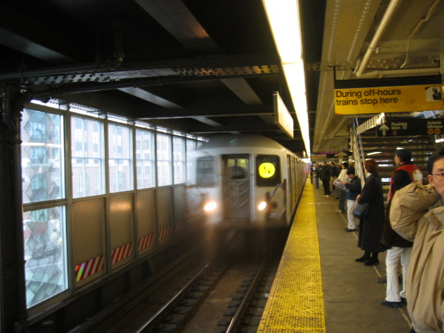 (103k, 640x480)<br><b>Country:</b> United States<br><b>City:</b> New York<br><b>System:</b> New York City Transit<br><b>Line:</b> BMT Astoria Line<br><b>Location:</b> Queensborough Plaza <br><b>Route:</b> N<br><b>Car:</b> R-40M (St. Louis, 1969)  4478 <br><b>Photo by:</b> Oren H.<br><b>Date:</b> 11/29/2002<br><b>Viewed (this week/total):</b> 6 / 3231