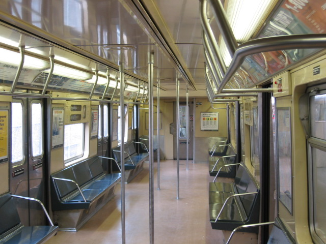 (119k, 640x480)<br><b>Country:</b> United States<br><b>City:</b> New York<br><b>System:</b> New York City Transit<br><b>Car:</b> R-40M (St. Louis, 1969)  Interior <br><b>Photo by:</b> Oren H.<br><b>Viewed (this week/total):</b> 1 / 2830
