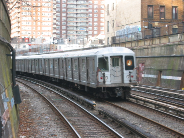 (129k, 640x480)<br><b>Country:</b> United States<br><b>City:</b> New York<br><b>System:</b> New York City Transit<br><b>Line:</b> BMT Brighton Line<br><b>Location:</b> Parkside Avenue <br><b>Route:</b> J<br><b>Car:</b> R-42 (St. Louis, 1969-1970)  4723 <br><b>Photo by:</b> Oren H.<br><b>Date:</b> 1/15/2005<br><b>Notes:</b> Construction shuttle service.<br><b>Viewed (this week/total):</b> 1 / 3289