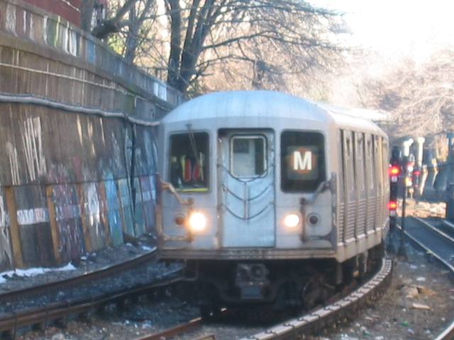 (107k, 640x480)<br><b>Country:</b> United States<br><b>City:</b> New York<br><b>System:</b> New York City Transit<br><b>Line:</b> BMT Brighton Line<br><b>Location:</b> Parkside Avenue <br><b>Route:</b> M<br><b>Car:</b> R-42 (St. Louis, 1969-1970)  4603 <br><b>Photo by:</b> Oren H.<br><b>Date:</b> 3/5/2005<br><b>Notes:</b> Construction shuttle service.<br><b>Viewed (this week/total):</b> 0 / 3979