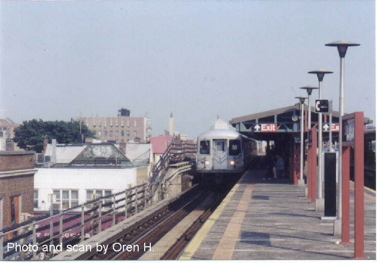 (53k, 745x520)<br><b>Country:</b> United States<br><b>City:</b> New York<br><b>System:</b> New York City Transit<br><b>Line:</b> BMT West End Line<br><b>Location:</b> Bay Parkway <br><b>Route:</b> M<br><b>Car:</b> R-42 (St. Louis, 1969-1970)  4829 <br><b>Photo by:</b> Oren H.<br><b>Date:</b> 6/20/2001<br><b>Viewed (this week/total):</b> 15 / 4168