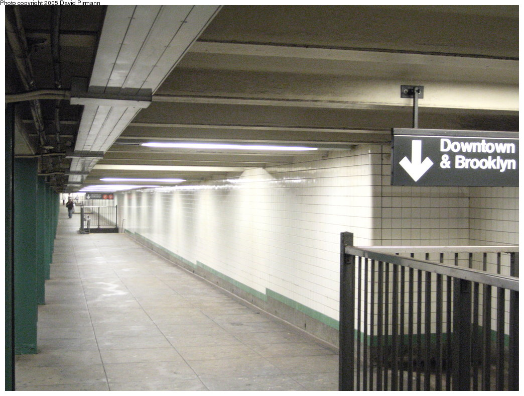 (177k, 1044x788)<br><b>Country:</b> United States<br><b>City:</b> New York<br><b>System:</b> New York City Transit<br><b>Line:</b> IND 6th Avenue Line<br><b>Location:</b> 14th Street <br><b>Photo by:</b> David Pirmann<br><b>Date:</b> 6/30/2005<br><b>Notes:</b> Mezzanine<br><b>Viewed (this week/total):</b> 5 / 3306