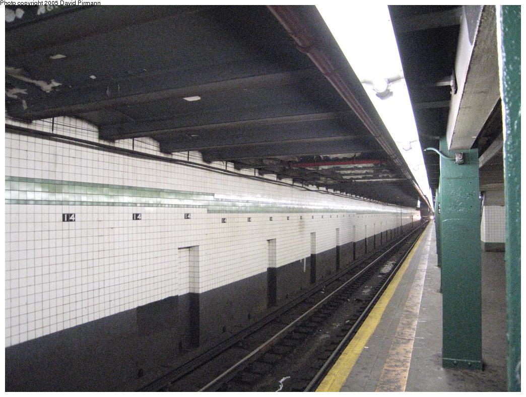 (226k, 1044x788)<br><b>Country:</b> United States<br><b>City:</b> New York<br><b>System:</b> New York City Transit<br><b>Line:</b> IND 6th Avenue Line<br><b>Location:</b> 14th Street <br><b>Photo by:</b> David Pirmann<br><b>Date:</b> 6/30/2005<br><b>Notes:</b> Southbound platform<br><b>Viewed (this week/total):</b> 1 / 2337