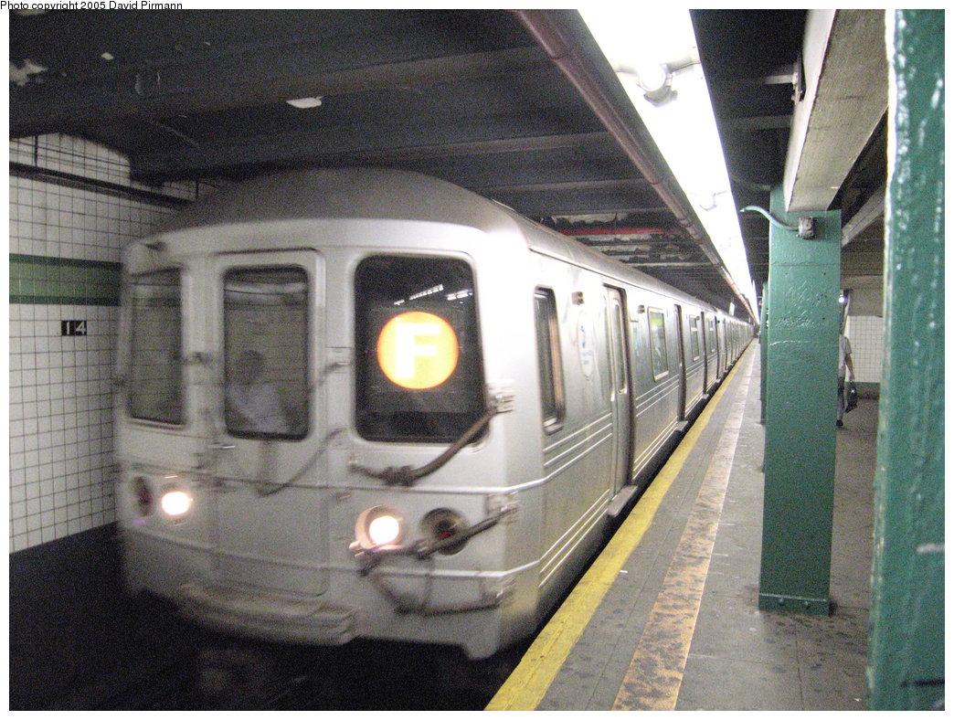 (227k, 1044x788)<br><b>Country:</b> United States<br><b>City:</b> New York<br><b>System:</b> New York City Transit<br><b>Line:</b> IND 6th Avenue Line<br><b>Location:</b> 14th Street <br><b>Route:</b> F<br><b>Car:</b> R-46 (Pullman-Standard, 1974-75) 6018 <br><b>Photo by:</b> David Pirmann<br><b>Date:</b> 6/30/2005<br><b>Notes:</b> Southbound platform<br><b>Viewed (this week/total):</b> 0 / 3349