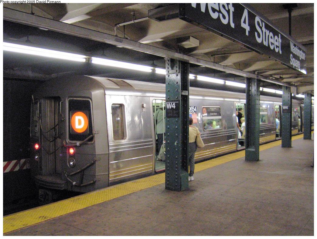 (286k, 1044x788)<br><b>Country:</b> United States<br><b>City:</b> New York<br><b>System:</b> New York City Transit<br><b>Line:</b> IND 6th Avenue Line<br><b>Location:</b> West 4th Street/Washington Square <br><b>Route:</b> D<br><b>Car:</b> R-68 (Westinghouse-Amrail, 1986-1988)  2654 <br><b>Photo by:</b> David Pirmann<br><b>Date:</b> 6/30/2005<br><b>Notes:</b> Southbound platform<br><b>Viewed (this week/total):</b> 0 / 4552