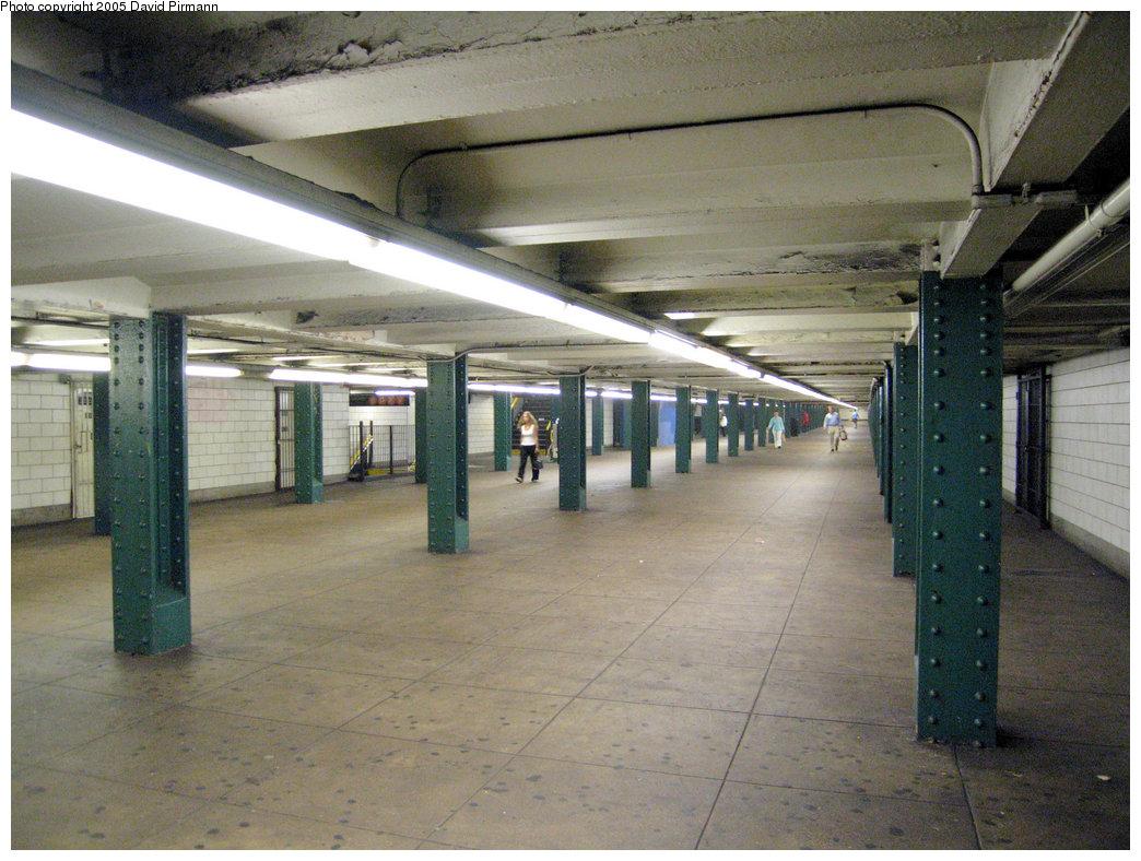 (241k, 1044x788)<br><b>Country:</b> United States<br><b>City:</b> New York<br><b>System:</b> New York City Transit<br><b>Line:</b> IND 6th Avenue Line<br><b>Location:</b> West 4th Street/Washington Square <br><b>Photo by:</b> David Pirmann<br><b>Date:</b> 6/30/2005<br><b>Notes:</b> View of mezzanine<br><b>Viewed (this week/total):</b> 0 / 2137