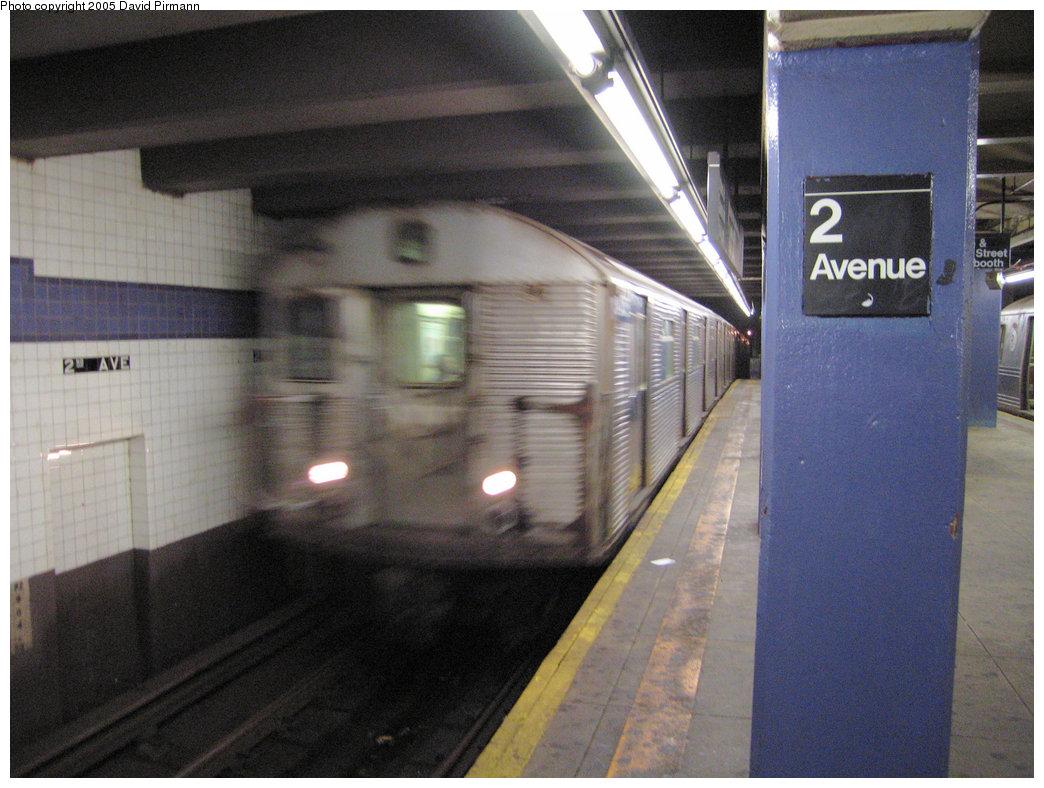 (212k, 1044x788)<br><b>Country:</b> United States<br><b>City:</b> New York<br><b>System:</b> New York City Transit<br><b>Line:</b> IND 6th Avenue Line<br><b>Location:</b> 2nd Avenue <br><b>Route:</b> F<br><b>Car:</b> R-32 (Budd, 1964)  3425 <br><b>Photo by:</b> David Pirmann<br><b>Date:</b> 6/30/2005<br><b>Notes:</b> Northbound platform<br><b>Viewed (this week/total):</b> 1 / 3335