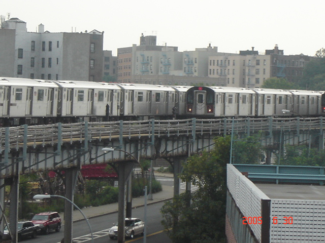 (144k, 640x480)<br><b>Country:</b> United States<br><b>City:</b> New York<br><b>System:</b> New York City Transit<br><b>Line:</b> IRT White Plains Road Line<br><b>Location:</b> West Farms Sq./East Tremont Ave./177th St. <br><b>Route:</b> 2/5<br><b>Car:</b> R-142 or R-142A (Number Unknown)  <br><b>Photo by:</b> DeAndre Burrell<br><b>Date:</b> 6/30/2005<br><b>Viewed (this week/total):</b> 3 / 5061