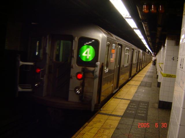 (153k, 640x480)<br><b>Country:</b> United States<br><b>City:</b> New York<br><b>System:</b> New York City Transit<br><b>Line:</b> IRT East Side Line<br><b>Location:</b> Grand Central <br><b>Route:</b> 4<br><b>Car:</b> R-62 (Kawasaki, 1983-1985)  1371 <br><b>Photo by:</b> DeAndre Burrell<br><b>Date:</b> 6/30/2005<br><b>Viewed (this week/total):</b> 0 / 5829