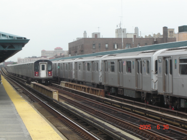 (143k, 640x480)<br><b>Country:</b> United States<br><b>City:</b> New York<br><b>System:</b> New York City Transit<br><b>Line:</b> IRT Woodlawn Line<br><b>Location:</b> 161st Street/River Avenue (Yankee Stadium) <br><b>Car:</b> R-142 or R-142A (Number Unknown)  <br><b>Photo by:</b> DeAndre Burrell<br><b>Date:</b> 6/30/2005<br><b>Viewed (this week/total):</b> 2 / 4148