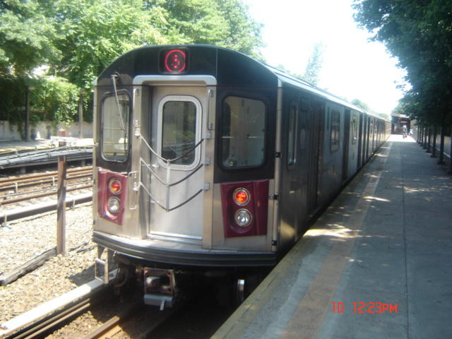 (61k, 640x480)<br><b>Country:</b> United States<br><b>City:</b> New York<br><b>System:</b> New York City Transit<br><b>Line:</b> IRT Dyre Ave. Line<br><b>Location:</b> Baychester Avenue <br><b>Route:</b> 5<br><b>Car:</b> R-142 (Option Order, Bombardier, 2002-2003)  7030 <br><b>Photo by:</b> DeAndre Burrell<br><b>Date:</b> 7/10/2005<br><b>Viewed (this week/total):</b> 5 / 4406