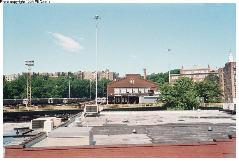 (108k, 820x553)<br><b>Country:</b> United States<br><b>City:</b> New York<br><b>System:</b> New York City Transit<br><b>Location:</b> 240th Street Yard<br><b>Photo by:</b> Eli Dardis<br><b>Date:</b> 7/10/2005<br><b>Viewed (this week/total):</b> 1 / 3979