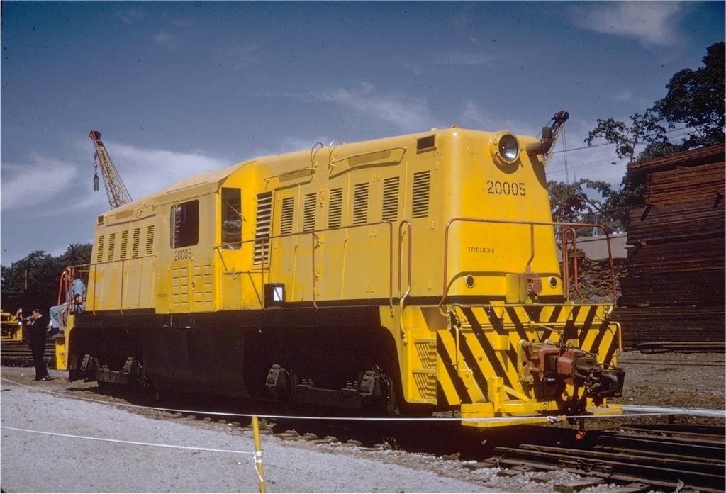 (204k, 1024x697)<br><b>Country:</b> United States<br><b>City:</b> New York<br><b>System:</b> New York City Transit<br><b>Location:</b> 36th Street Yard<br><b>Car:</b> Whitcomb Locomotive 8 <br><b>Photo by:</b> Gerald H. Landau<br><b>Collection of:</b> Joe Testagrose<br><b>Date:</b> 10/1959<br><b>Viewed (this week/total):</b> 2 / 2485