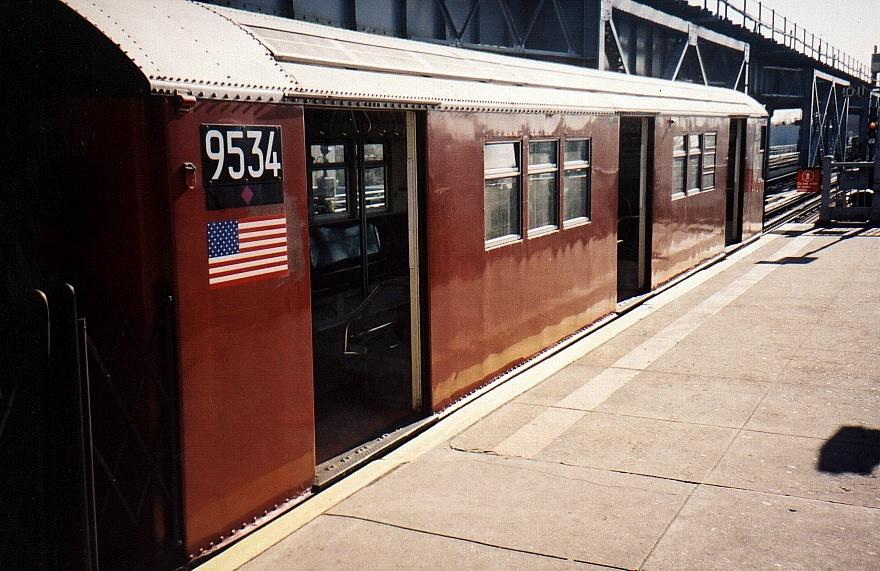 (89k, 880x571)<br><b>Country:</b> United States<br><b>City:</b> New York<br><b>System:</b> New York City Transit<br><b>Line:</b> IRT Flushing Line<br><b>Location:</b> 111th Street <br><b>Route:</b> 7<br><b>Car:</b> R-36 Main Line (St. Louis, 1964) 9534 <br><b>Photo by:</b> Gary Chatterton<br><b>Date:</b> 4/10/2002<br><b>Viewed (this week/total):</b> 2 / 5430
