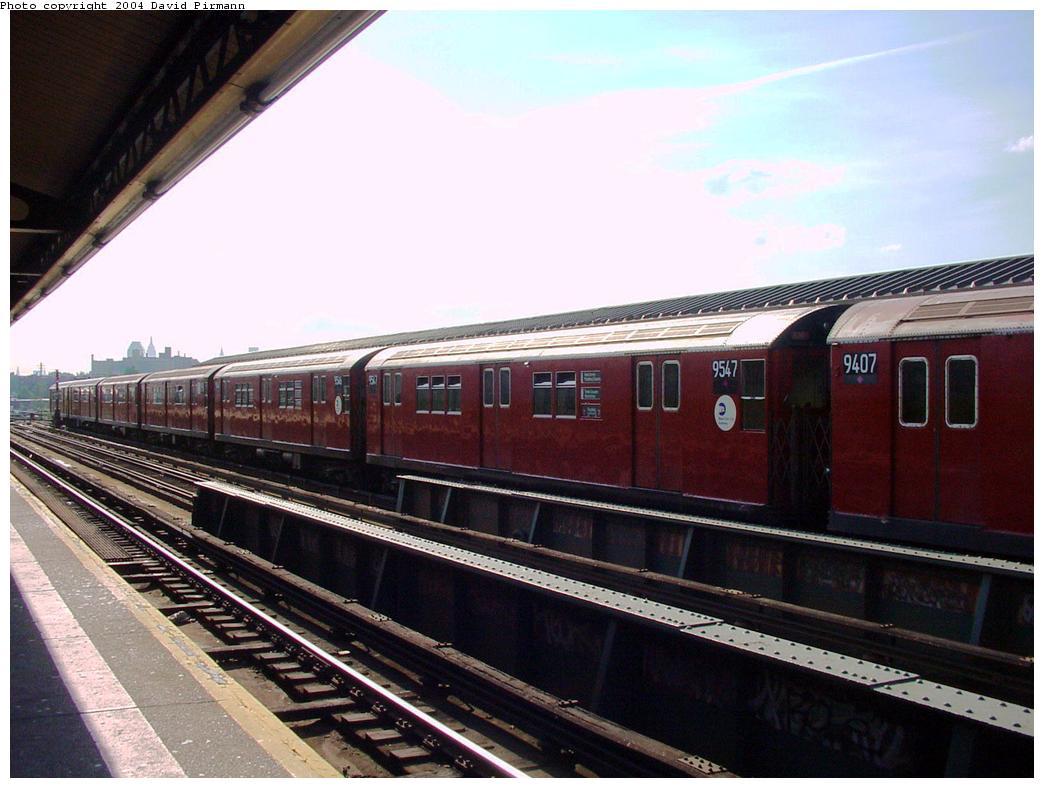 (117k, 1044x788)<br><b>Country:</b> United States<br><b>City:</b> New York<br><b>System:</b> New York City Transit<br><b>Line:</b> IRT Flushing Line<br><b>Location:</b> 69th Street/Fisk Avenue <br><b>Route:</b> 7<br><b>Car:</b> R-36 Main Line (St. Louis, 1964) 9547 <br><b>Photo by:</b> David Pirmann<br><b>Date:</b> 7/16/2001<br><b>Viewed (this week/total):</b> 4 / 4450